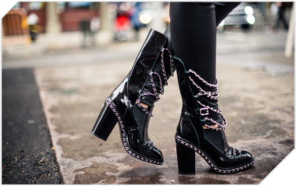 chain_boots_chanel_3